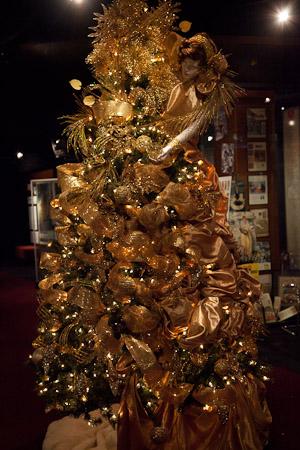 tree_gold